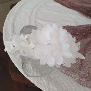 bijeli ukras na traci