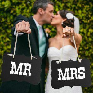 Mr i Mrs natpis