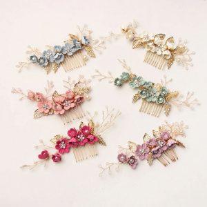 cvjetni ukras za kosu na češlju pastel